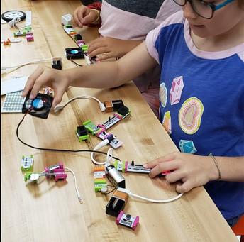 Sunset Hills Elementary Unveils New 'Lightbulb Lab'