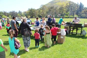 Madrona Elementary Celebrates Annual Mustang Family Hawaiian BBQ!