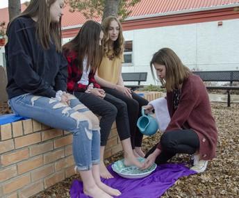Holy Thursday - St. Thomas Aquinas Middle School students