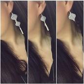 SOLD / Plait Drop Earrings - $28