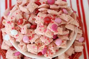 Strawberry Valentines Chex Mix