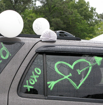 Decorate your Cars for Graduation!