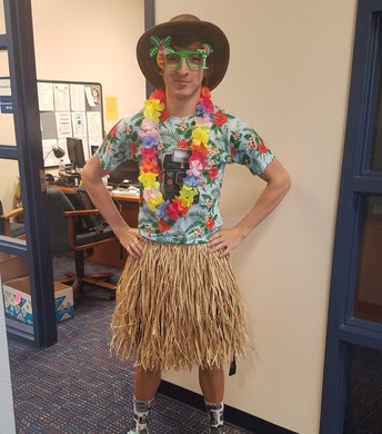 Tacky Tourist Day at HS