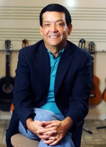 Dr. Gilberto Soto