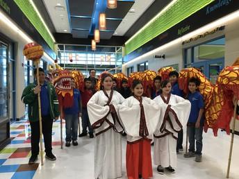 Students and Mandarin teacher Xiaolin Zhang