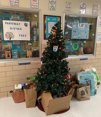Utica Zoo Giving Tree