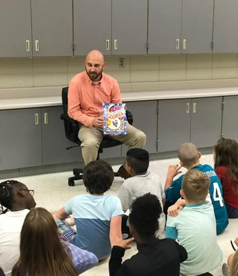 Mr. C Reading to 2nd Grade!