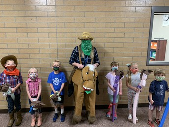 AM Kinder Mighty Mustangs