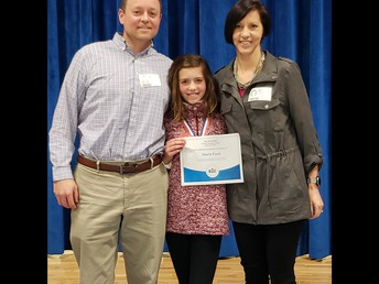 Marin Ford pictured with her parents