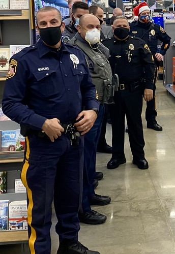 Shop with a Cop benefits 180 Quakertown youngsters
