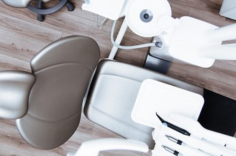 Trying to Choose the Right Dentist? Do not forget to Ponder TheseImportant Factors