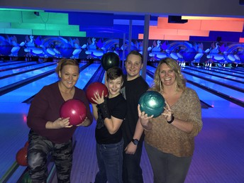Middle/High School Bowling Party in Anchorage