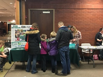 Is Your Club Accepting New Members?  Sign Up for A Table at the 4-H Open House!