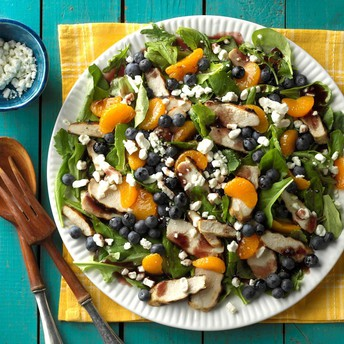 Grilled Chicken Salad with Blueberry