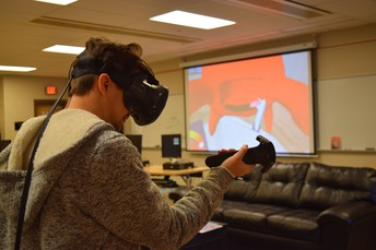 """When Art & Technology collide: Students """"sculpt"""" objects using Virtual Reality"""