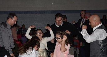 Fathers and daughters really know how to boogie!