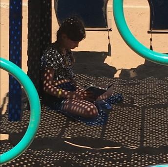 4P  Reading outside