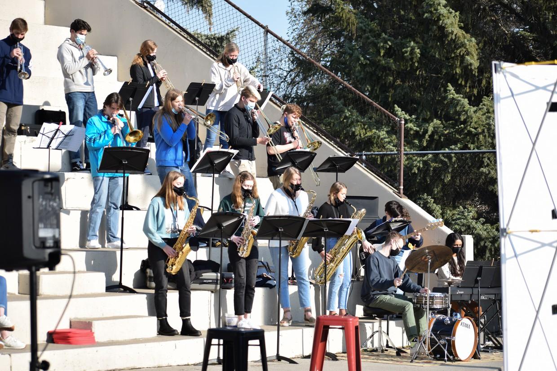 Jazz Band playing outside