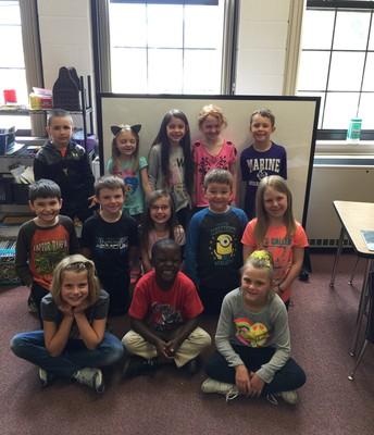 MRS. SEYFERT'S CLASS