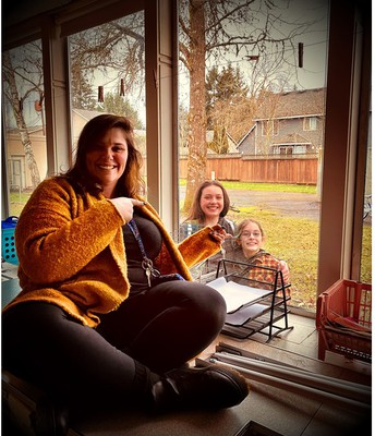 Paityn and Arden outside Mrs. Bethune's classroom window!