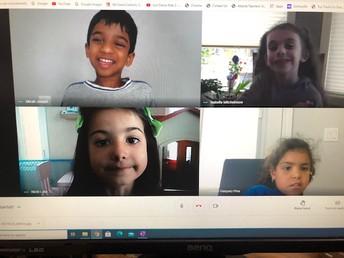 M/W Kindergarten students online learning
