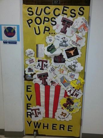"""""""Rep Your College"""" Door Contest!"""