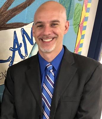 Dr. Thomas Casteel, Principal
