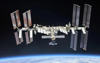 Students Make Contact with International Space Station