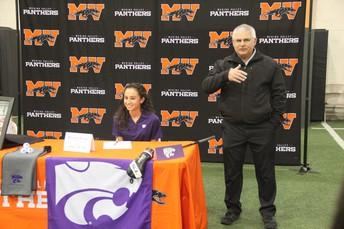 Gabriela McNelly Signed at Kansas State University -Golf