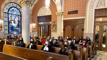 8TH GRADE STUDENTS ATTENDS CATHOLIC SCHOOLS WEEK MASS