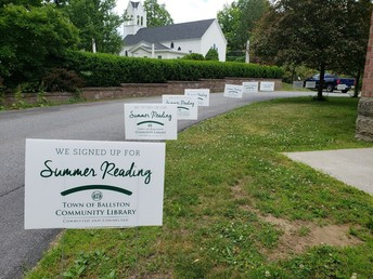 Summer Reading Lawn Sign