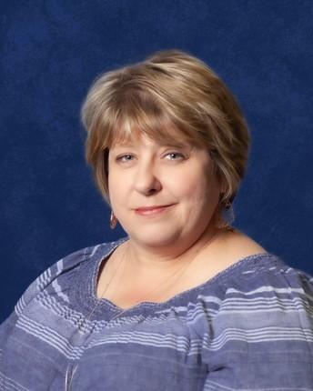 Wagner High School Librarian, Raelene Tschirhart