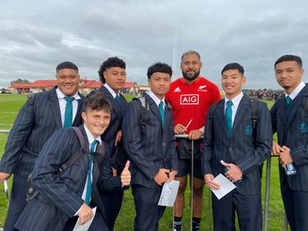 Student Players Meet the All Blacks
