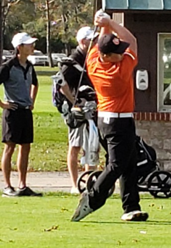 Sophomore Carson Harmon Plays in State Golf Tournament