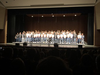 Bass Choir rocks Queen!