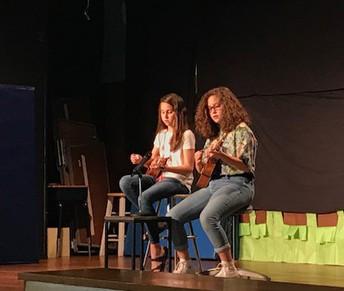 Singing & Ukuleles