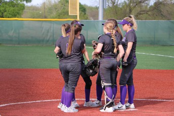 Bonham Lady Warriors JV Grabs Lead In Fourth Inning To Defeat Honey Grove