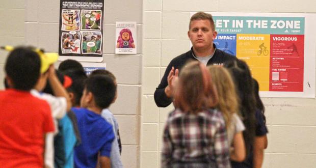 Chris Amundson photo with kids