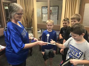 Intermediate Student Council Selling Spirit Ribbons