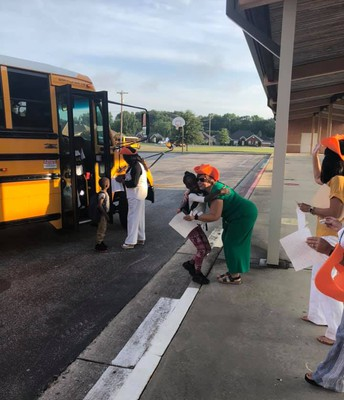 Bus-line Welcome Crew!