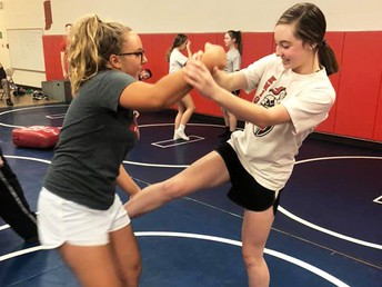 SHS Students Learn Self Defense
