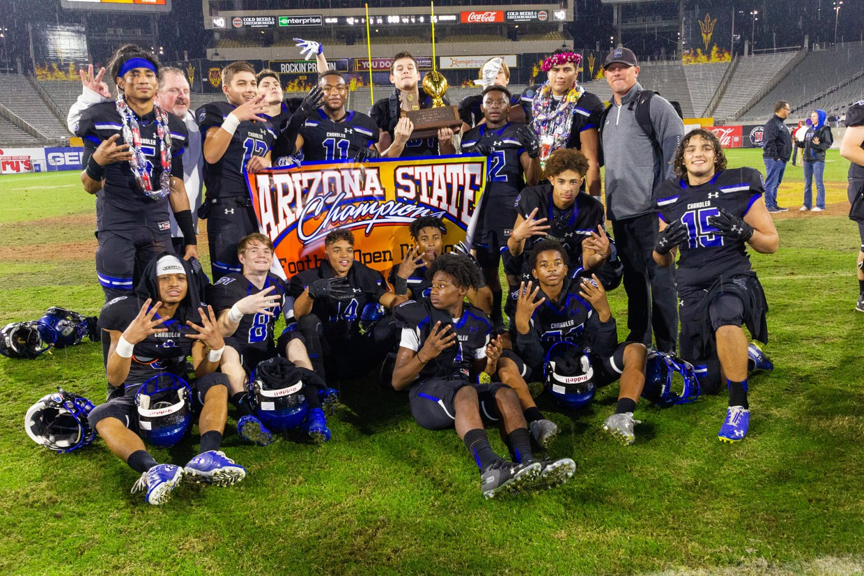 Wolves Win 4th Straight Football Title
