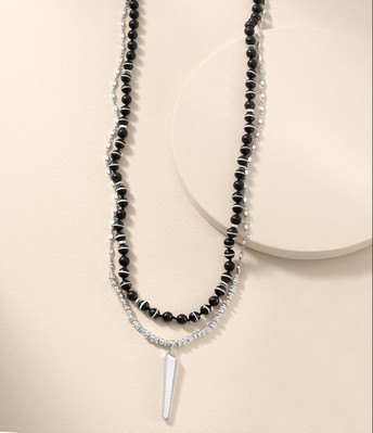 Rayna Pendant Necklace