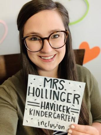 Mrs. Hollinger - Kindergarten Teacher / Sra. Hollinger - Maestra de Kinder