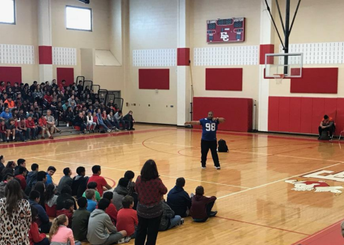 Former NFL Player addresses students