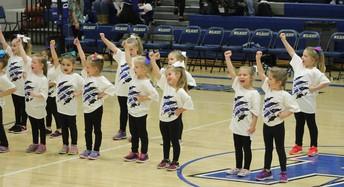 Mini Cheer Clinic Performance