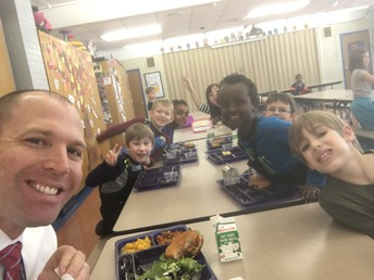 1st grade lunch crew