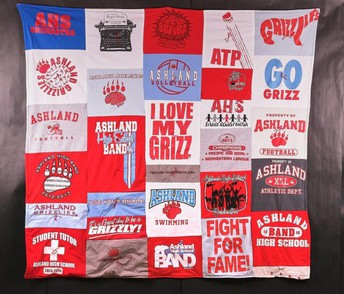 You can win this amazing GRIZZ QUILT!!