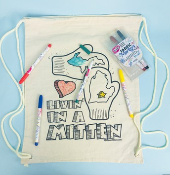 """""""Livin' In A Mitten"""" Kid's Color-on Backpack Kit"""