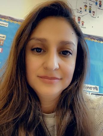 Mrs. Manzanero - Dual Language PreK & EC Program Assistant  / Sra. Manzanero - Asistente de programa de Lenguaje Dual PreK y EC